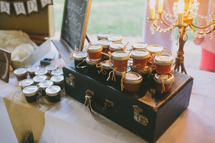 Honey Guest Favor Payton Arizona Wedding Savanna Lauren Photography | Via MountainsideBride.com