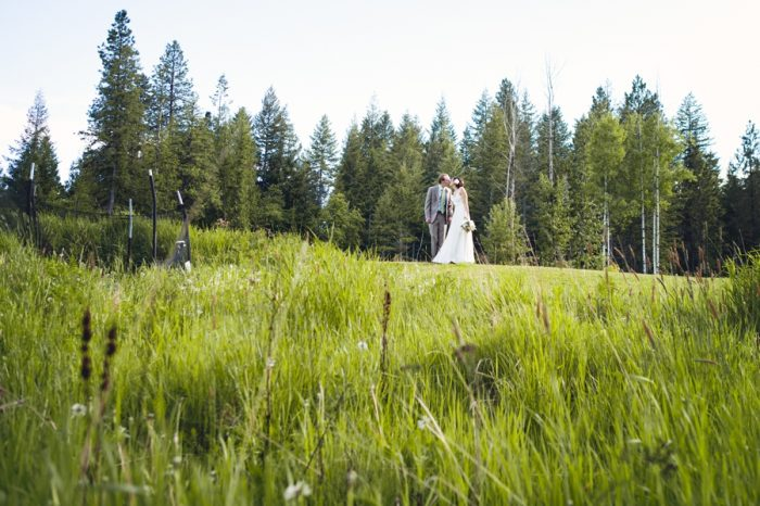28 Portraits Field Sandpoint Idaho Mountain Wedding Amy Galbraith Photography | Via MountainsideBride.com