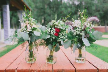 Rose Bouquet Payton Arizona Wedding Savanna Lauren Photography | Via MountainsideBride.com