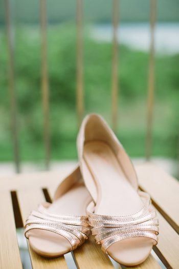 Wedding Flats | Bald Eagle State Park Wedding | Caitlin Thomas Photography | Via MountainsideBride.com
