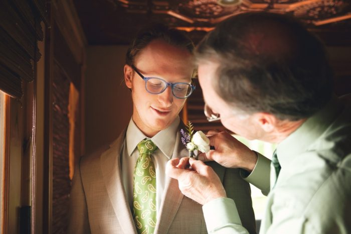 5 Getting Ready Groom Sandpoint Idaho Mountain Wedding Amy Galbraith Photography | Via MountainsideBride.com
