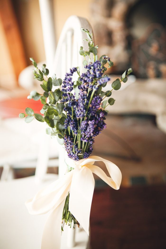 7 Ceremony Florals Lavender Sandpoint Idaho Mountain Wedding Amy Galbraith Photography | Via MountainsideBride.com