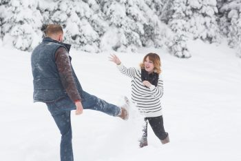 10 Snowy Engagement Session In Utah Faces Photography | Via MountainsideBride.com