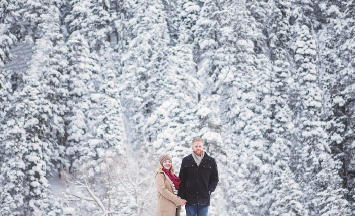 11 Snowy Engagement Session In Utah Faces Photography | Via MountainsideBride.com