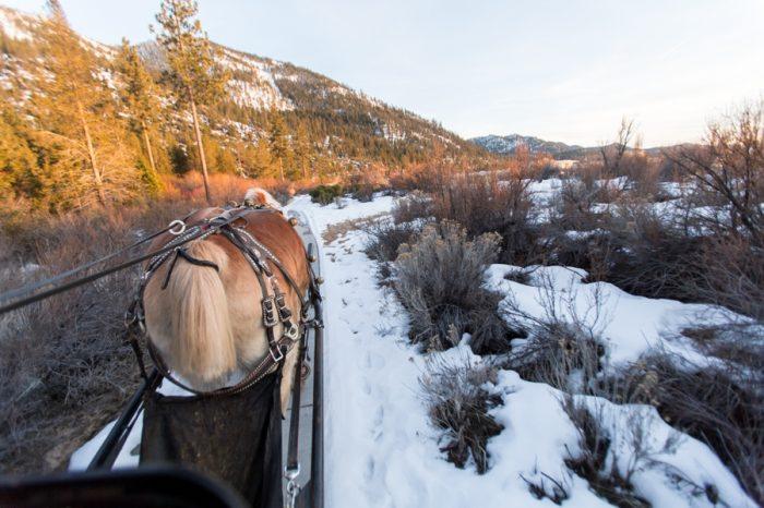 25 Lake Tahoe Wedding Inspiration With Russian Details | Via MountainsideBride.com