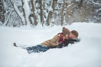 4 Snowy Engagement Session In Utah Faces Photography | Via MountainsideBride.com