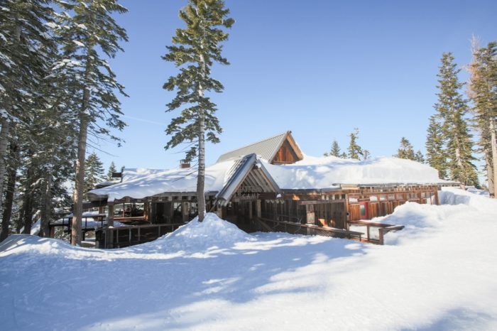 5 Lake Tahoe Wedding Inspiration With Russian Details | Via MountainsideBride.com