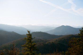 Mountains | Smoky Mountain Elopement Madeline Harper Photo | Via MountainsideBride