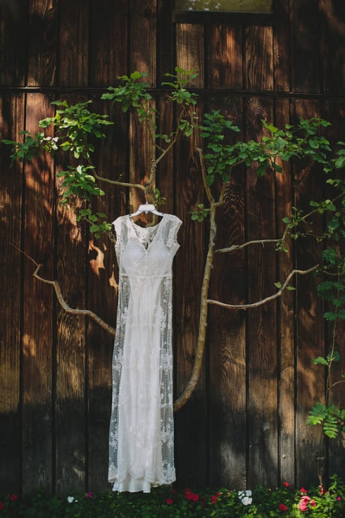 Dress | Maroon Bells Colorado Elopement | EC Campbell Photography | Via Mountainsidebride.com