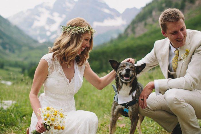 Happy Dog   Maroon Bells Colorado Elopement   EC Campbell Photography   Via Mountainsidebride.com