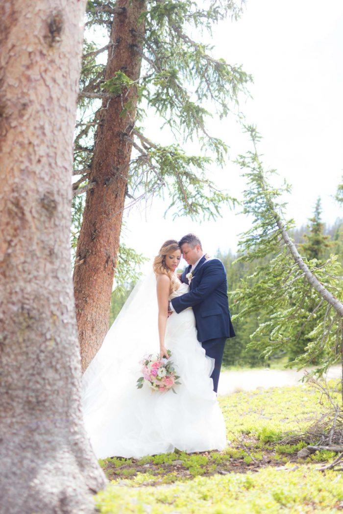 18 Bridal Centerpiece | Keystone Colorado Wedding Mathew Irving Photography | Via MountainsideBride.com
