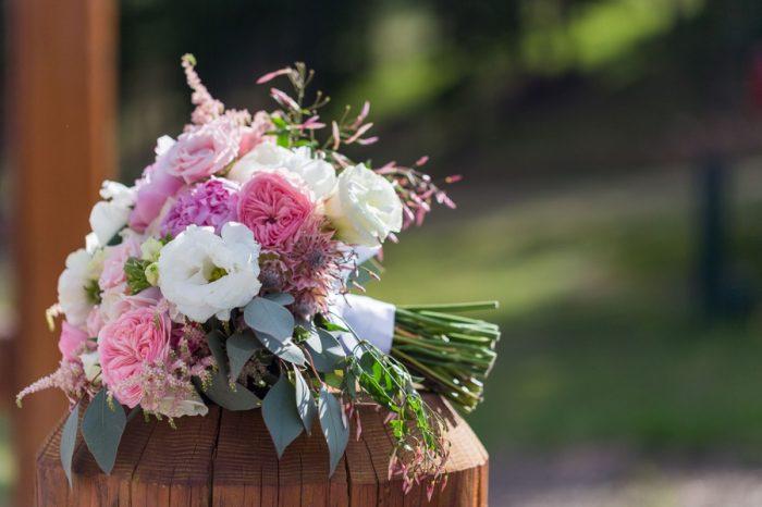 19 Bouquet | Keystone Colorado Wedding Mathew Irving Photography | Via MountainsideBride.com