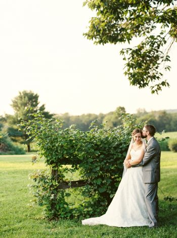Bridal Portraits | Mountain Wedding In Barboursville Virginia By JoPhoto | Via MountainsideBride.com