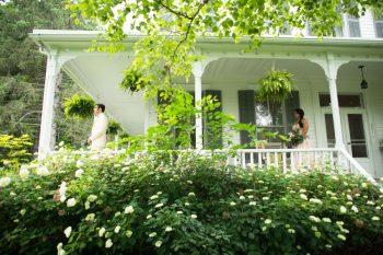 10 Catskill Wedding DIY Woodland Speakeasy | Kerri Lynne Photography | Via MountainsideBride