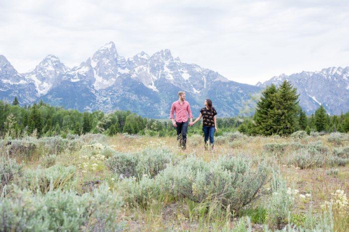 12 Grand Teton National Park Wyoming Engagement | Heather Erson Photography | Via MountainsideBride.com