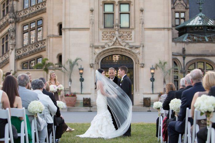 14 Asheville Event Co Bride With Veil | Via MountainsideBride.com