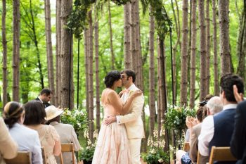 24 Catskill Wedding DIY Woodland Speakeasy | Kerri Lynne Photography | Via MountainsideBride