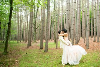 25 Catskill Wedding DIY Woodland Speakeasy | Kerri Lynne Photography | Via MountainsideBride