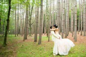 25 Catskill Wedding DIY Woodland Speakeasy | Kerri Lynne Photography | Via MountainsideBride