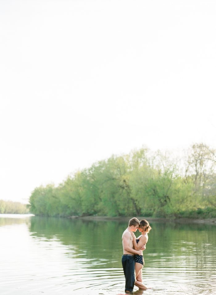 Retreat At Cool Spring In Bluemont Virginia | Amanda Adams Photography | Via MountainsideBride.com