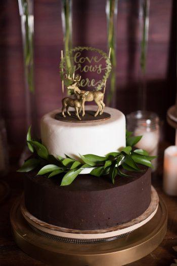 30 Catskill Wedding DIY Woodland Speakeasy | Kerri Lynne Photography | Via MountainsideBride