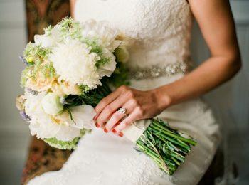 white wedding bouquet   Knoxville Wedding Hunter Valley Farm   JoPhoto   Via MountainsideBride.com