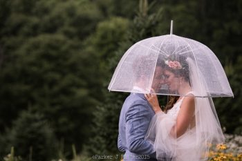 Portraits Rain NC Wedding | Parker J Pfister |via Mountainside Bride