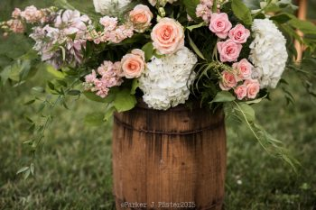 Ceremony Florals NC Wedding | Parker J Pfister |via Mountainside Bride
