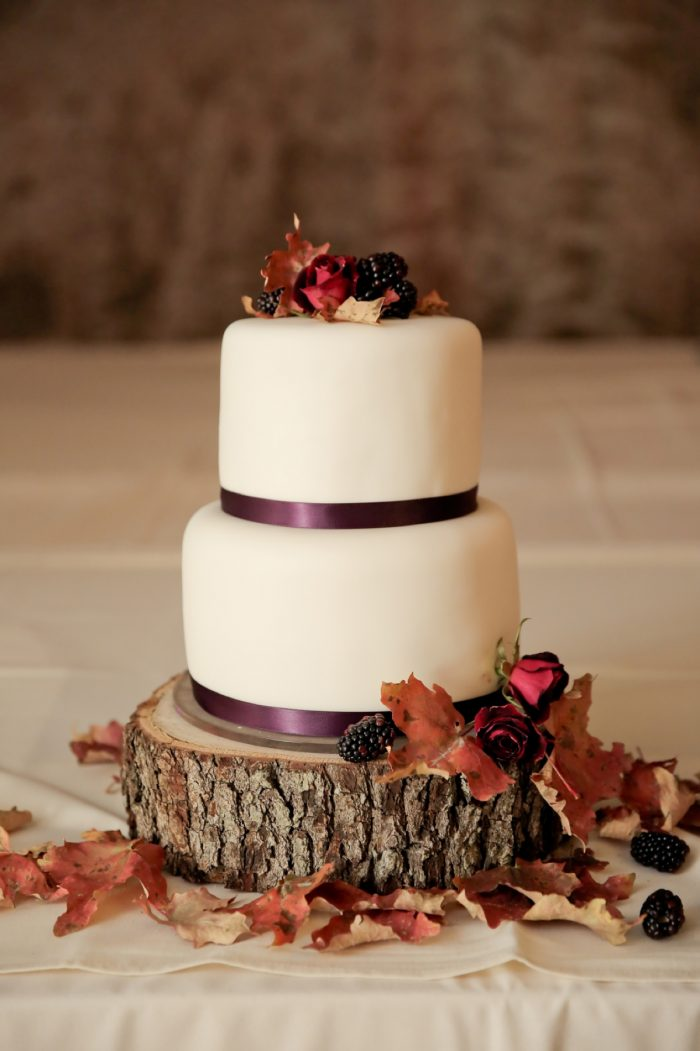 Fall Wedding Cake Park City Wedding | Pepper Nix Photography | Via MountainsideBride.com