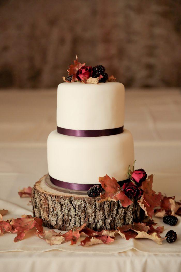 Fall Wedding Cake Park City Wedding | Pepper Nix Photography | Via MountainsideBride.com