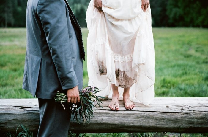 Yosemite Elopement Dawn Kelly Photography | Via MountainsideBride.com