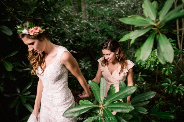 Getting Ready Cashiers NC Wedding | Parker J Pfister |via Mountainside Bride