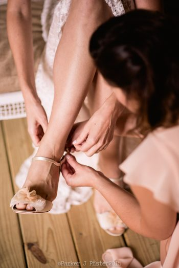 Getting Ready Cashiers NC Wedding | Parker J Pfister |via Mountainside Bride