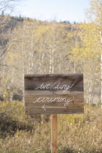 Wedding Ceremony Sign Park City Wedding | Pepper Nix Photography | Via MountainsideBride.com
