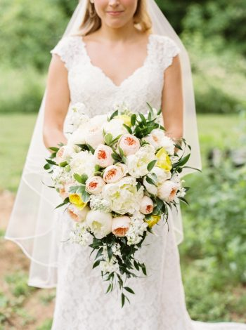 1 Bouquet Daras Garden Tennessee Wedding Jophoto Via Mountainsidebride Com