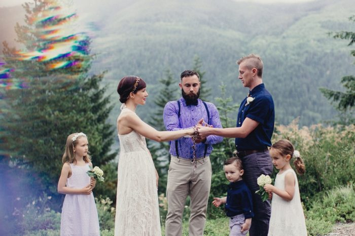 19 Ceremony 17 Lake Kachess Wedding Tyler Ray Photography Via Mountainsidebride Com