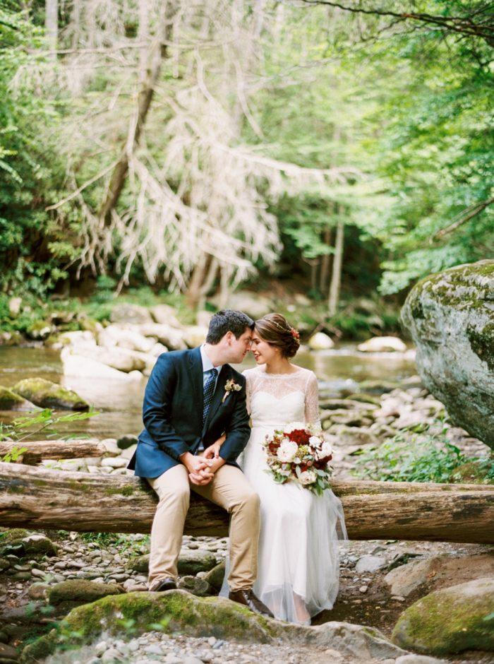 21 Spence Cabin Intimate Wedding   JoPhoto   Via MountainsideBride.com