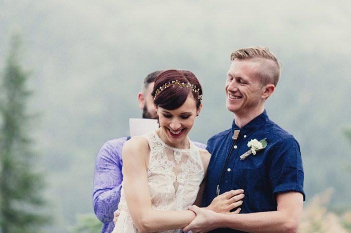 21 Ceremony 21 Lake Kachess Wedding Tyler Ray Photography Via Mountainsidebride Com