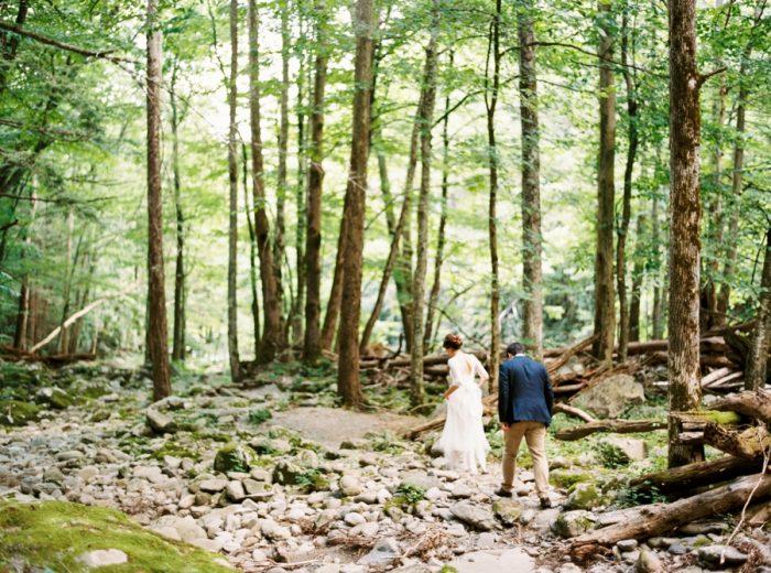 22 Spence Cabin Intimate Wedding   JoPhoto   Via MountainsideBride.com
