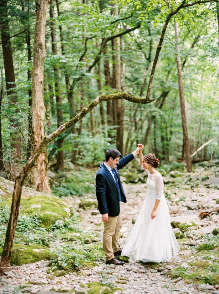 23 Spence Cabin Intimate Wedding   JoPhoto   Via MountainsideBride.com