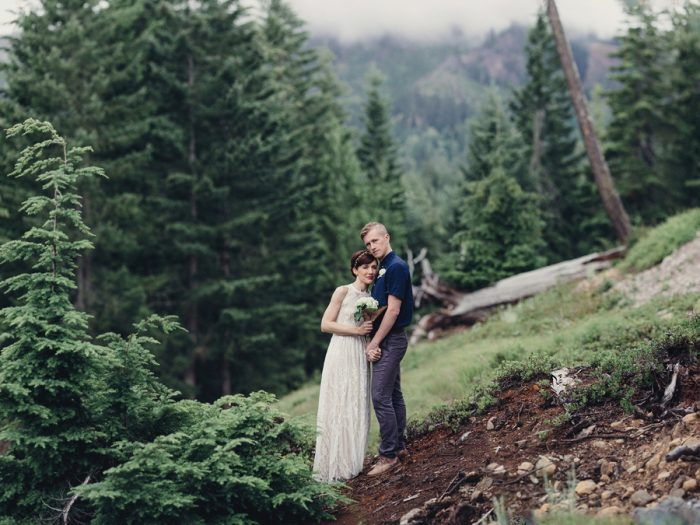25 Bride And Groom Portrait 1 Lake Kachess Wedding Tyler Ray Photography Via Mountainsidebride Com