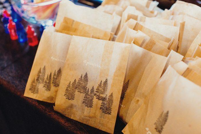 28 Gift Bags Lake Kachess Wedding Tyler Ray Photography Via Mountainsidebride Com