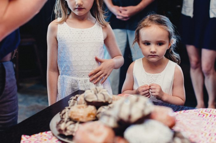 30 Doughnut 3 Lake Kachess Wedding Tyler Ray Photography Via Mountainsidebride Com