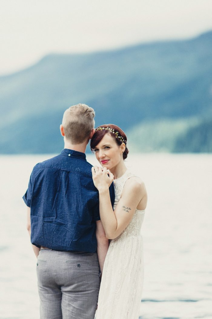 6 Bride And Groom Portrait 11 Lake Kachess Wedding Tyler Ray Photography Via Mountainsidebride Com