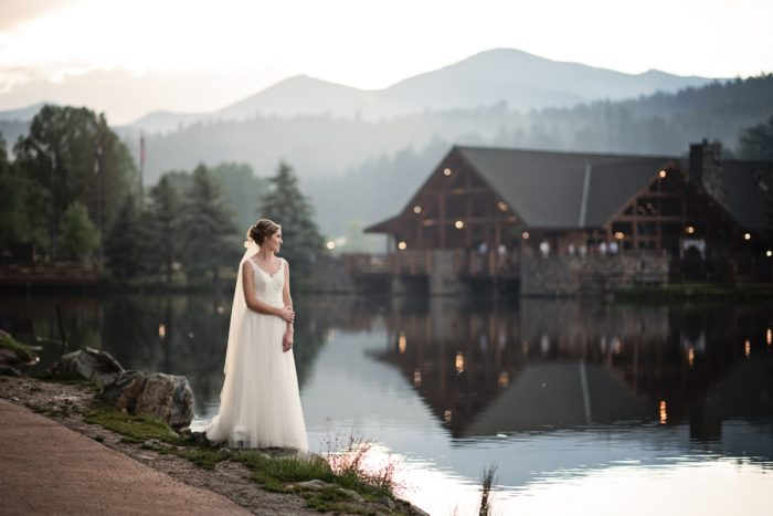 1 Colorado Wedding At Evergreen Lakehouse Elizabeth Ann Photography Via MountainsideBride.com