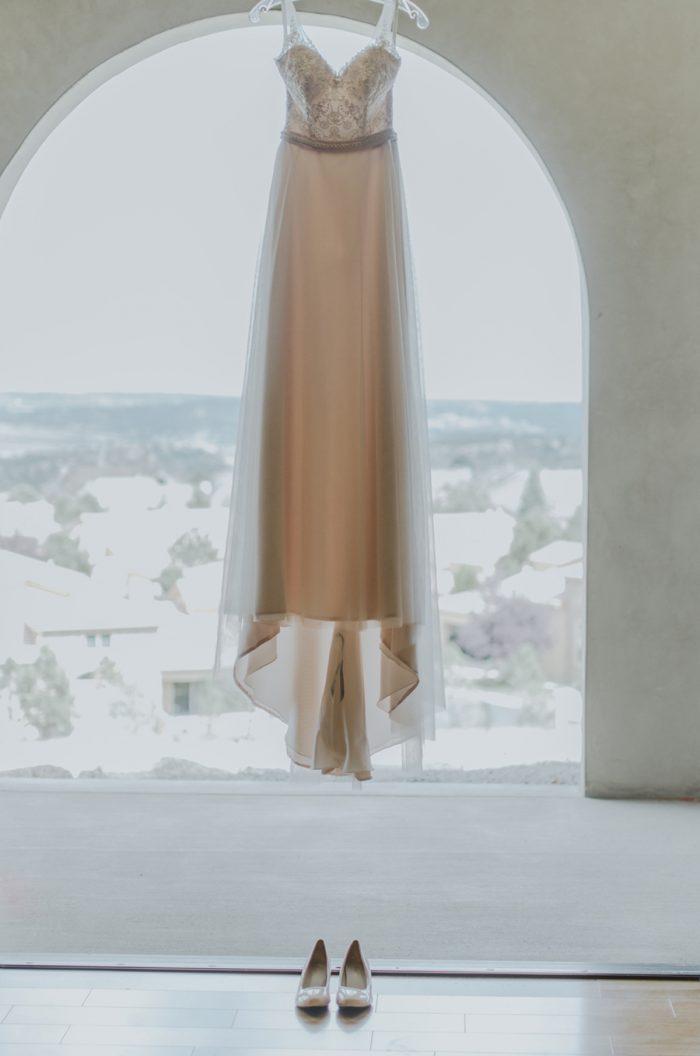 Gown Manitou Springs Colorado Wedding Becca Bloodsworth Via Mountainsidebride Com