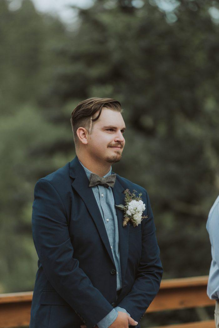 Ceremony Groom Manitou Springs Colorado Wedding Becca Bloodsworth Via Mountainsidebride Com