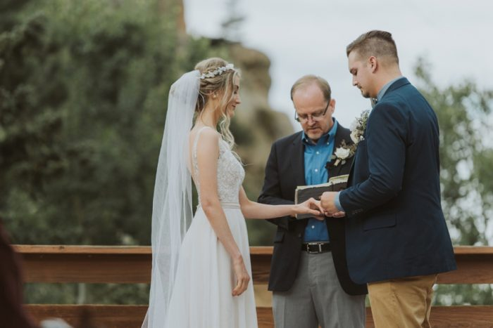 Ceremony Manitou Springs Colorado Wedding Becca Bloodsworth Via Mountainsidebride Com