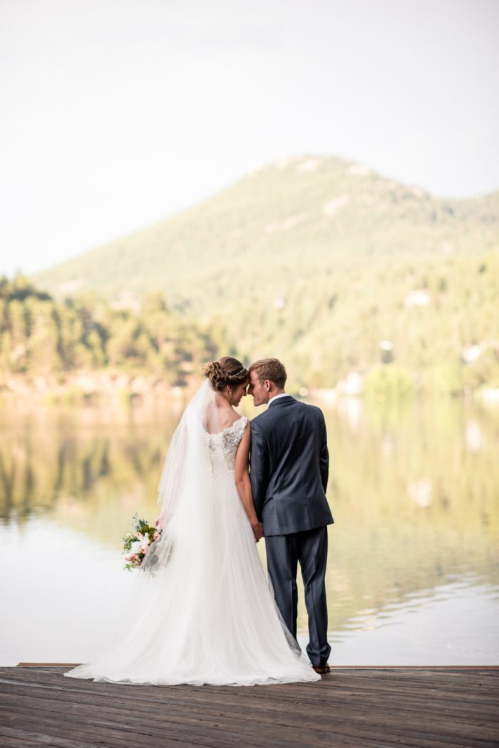 25 Colorado Wedding At Evergreen Lakehouse Elizabeth Ann Photography Via MountainsideBride.com