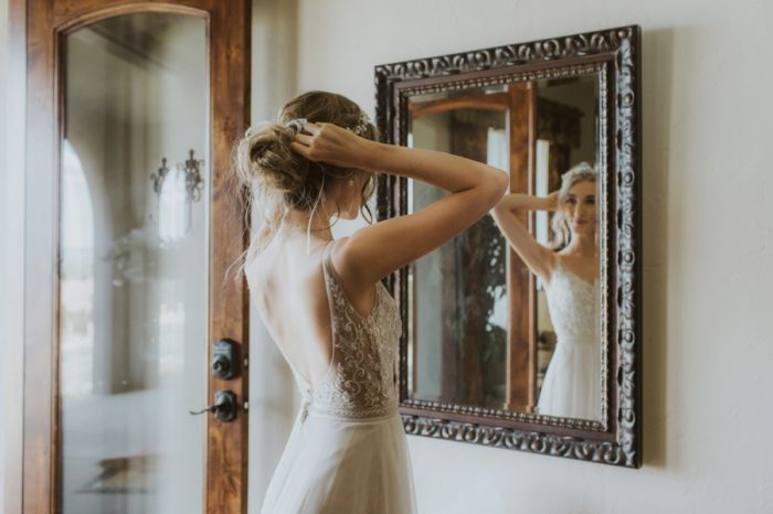 Getting Ready Manitou Springs Colorado Wedding Becca Bloodsworth Via Mountainsidebride Com